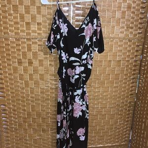 Beautiful one piece, flower pattern jumpsuit